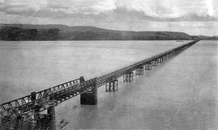 Puente del ferrocarril sobre el río Biobío de Concepción en el año 1933.