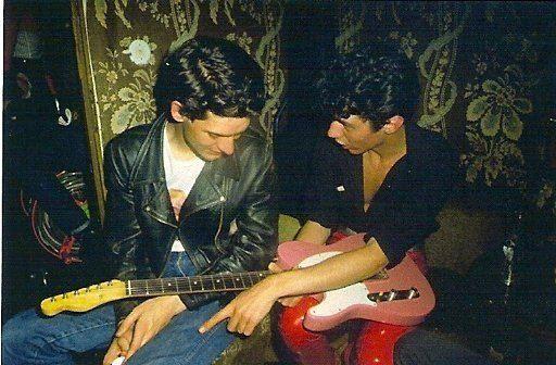 Carlos Berlanga y Bernardo Bonezzi en los camerinos de Sala Marquee, 1982.