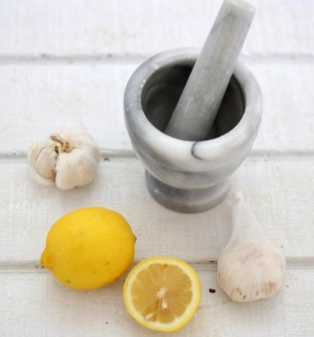 Aglio e limone per pulire le arterie e ridurre il colesterolo