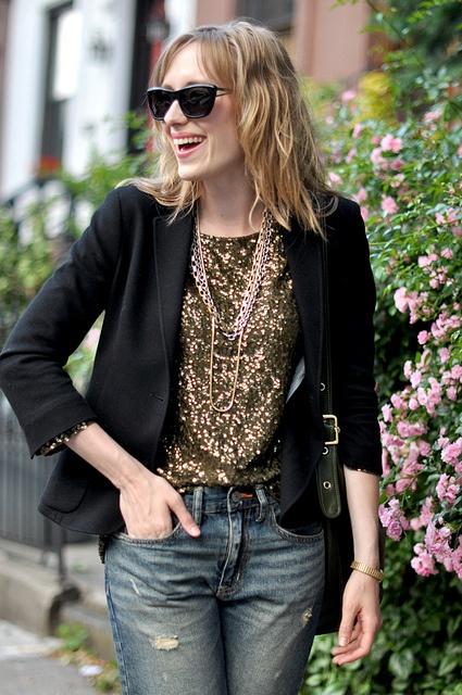 Eat.Sleep.Wear. Glitter top: Sequins Blazers, Sparkle Dresses, Boyfriends Style, Casual Sequins, Ripped Boyfriends Jeans, Gold Sequins, Sequins Tops, Casual Pretty, Black Blazers