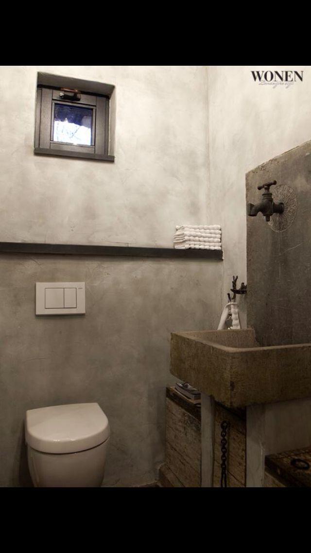 #Toilet. #Grijs. #Landelijk.