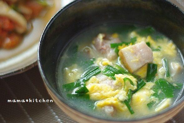 角切りベーコンのニラ玉スープ | 美肌レシピ