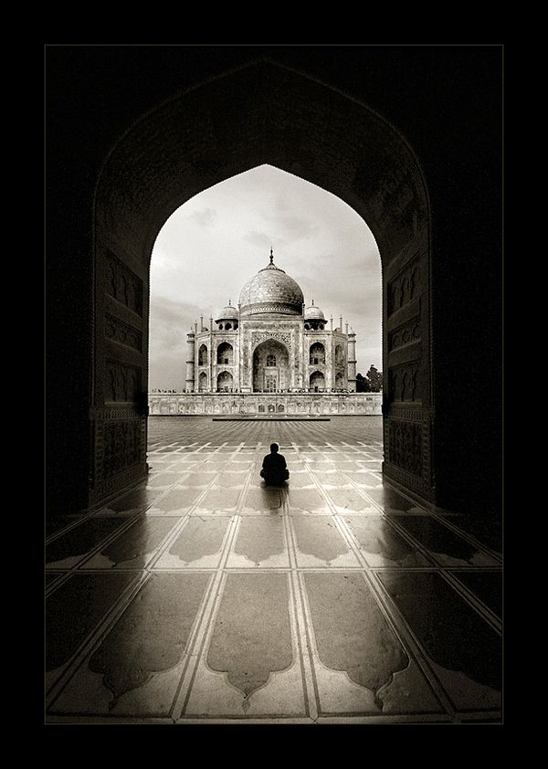 Taj Mahal in Beautiful Black and White - My Modern Metropolis