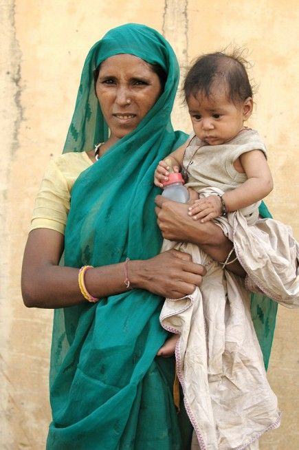 Mother and child in Jaipur