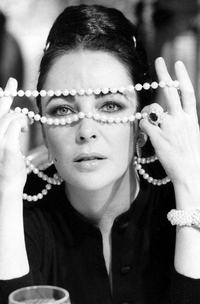 #Elizabeth_Taylor by Richard Avedon: Photographer legend