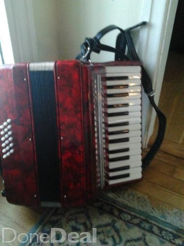 Piano accordion for sale in Cork - €190 on DoneDeal.ie