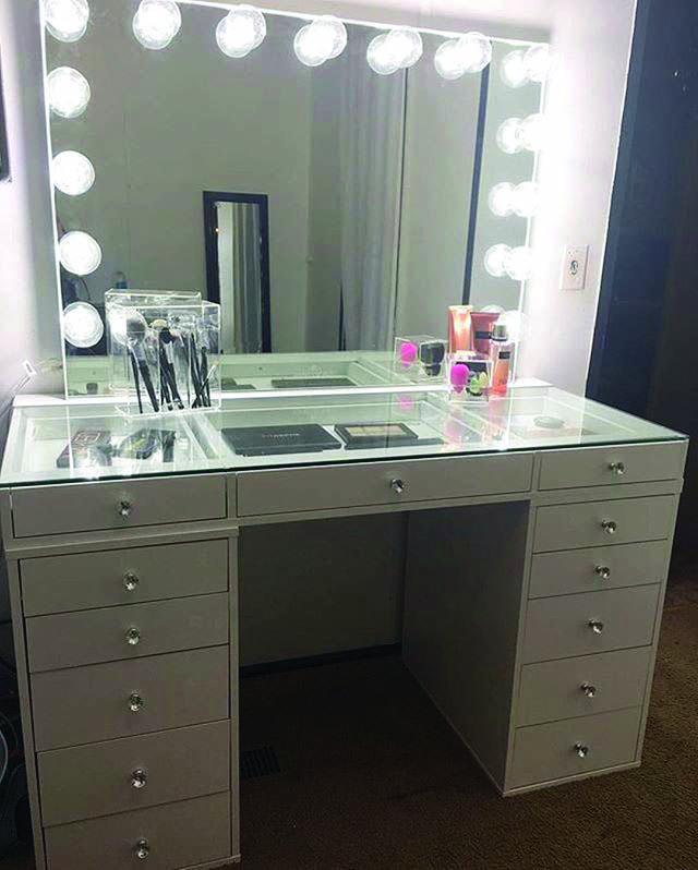 Stylish Ways to Decorate makeup vanity bedroom just on