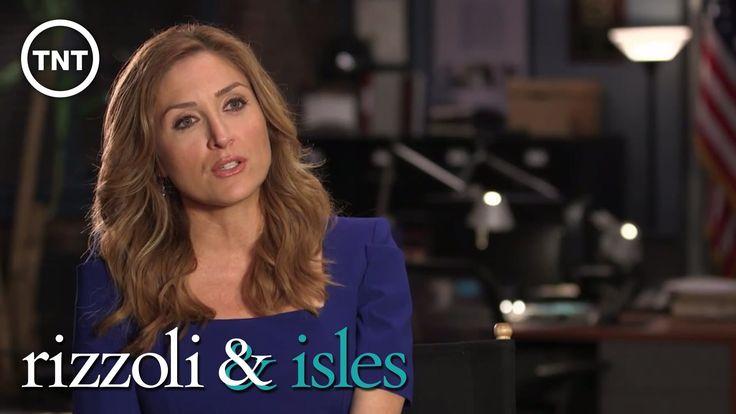 Conversation with Sasha Alexander   Rizzoli & Isles   TNT