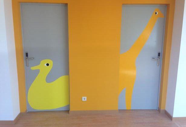 Las habitaciones están representadas por un divertido animalito.