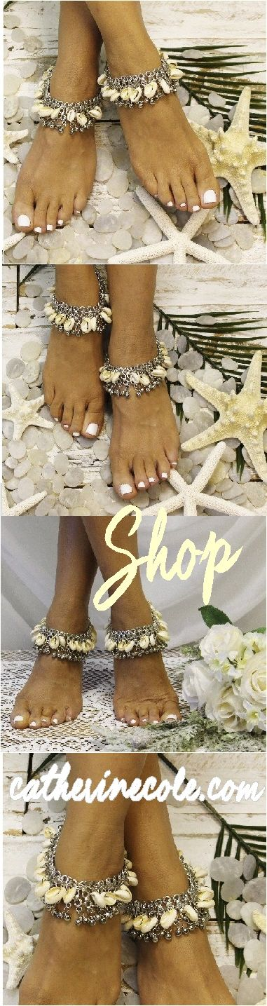 Beach gypsy silver shell ankle bracelet. Add a little Boho Chic to your beach wedding with our handmade silver chain and real shell ankle bracelet. These silver chain and real shell bracelet is a grea