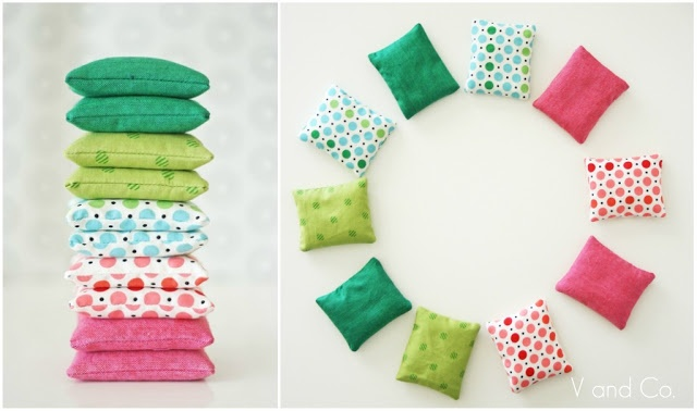 """homemade hand warmers - OMG I must try these! Anyone have a """"recipe"""" for a scented/soothing filling?"""