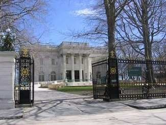 Scott-Bocock House modeled on Vanderbilt Newport mansion, Marble House also used in 1972 Great Gatsby.
