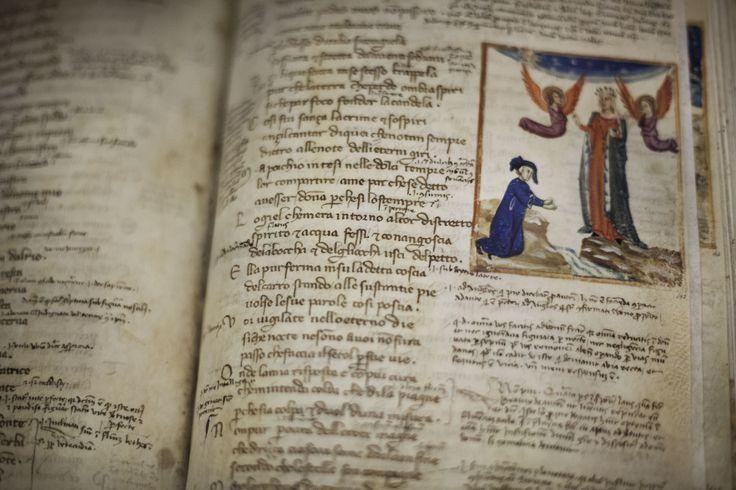 Uno dei preziosi libri custoditi nella Biblioteca dei Girolamini | © Machi di Pace (machijones) - Campaniasuweb