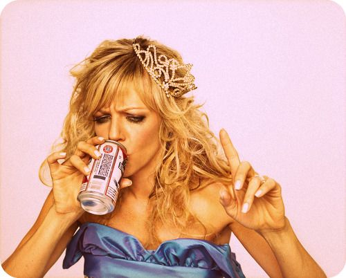haha <3 PBRBeer, Bachelorette Parties, Kaitlin Olson, Prom Night, Bridal Portraits, Sweets Dee, Funny, Philadelphia, Role Models