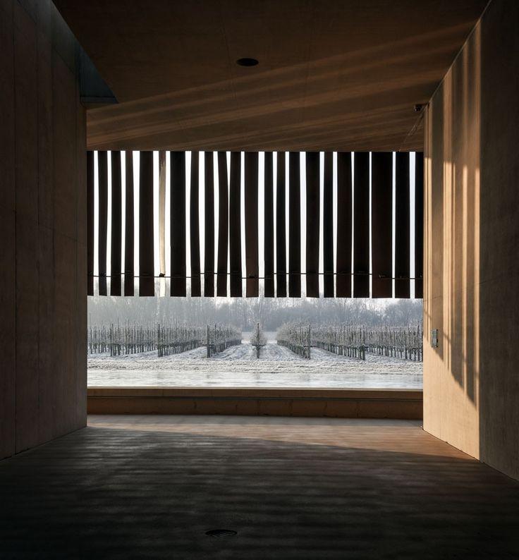 crematorium : COUSSÉE & GORIS architecten