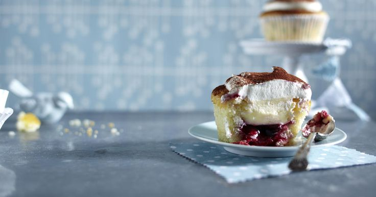 The best Redcurrant and custard cupcakes recipe you will ever find. Welcome to RecipesPlus.