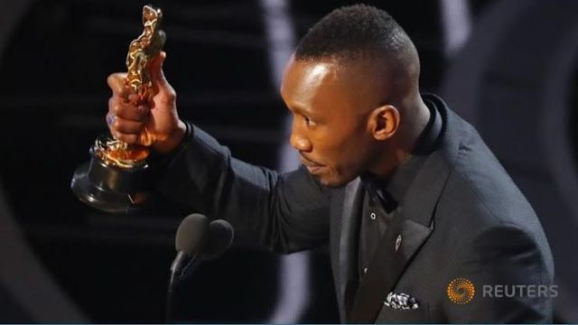 Marak Islamfobia di Amerika Pria Ini Buktikan dengan Jadi Aktor Muslim Pertama yang Menang Piala Oscar