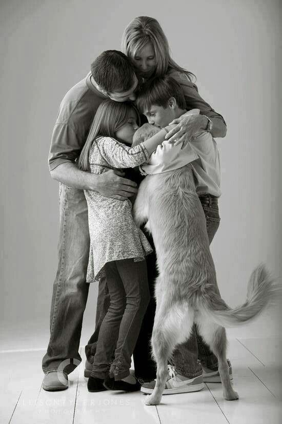 Awesome pic! Would love to do this with our dogs. Dogs are family too!