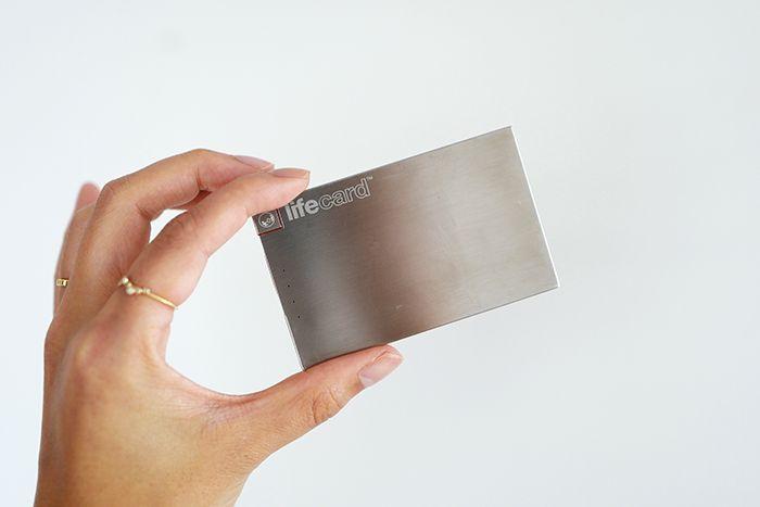 カード型スマホ専用モバイルバッテリー「LIFE CARD」