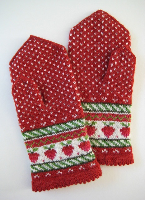 strawberry mittens