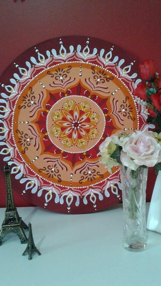 Mandala no mdf, 50cm, acrílica. Arte de Rosangela Bavaresco.