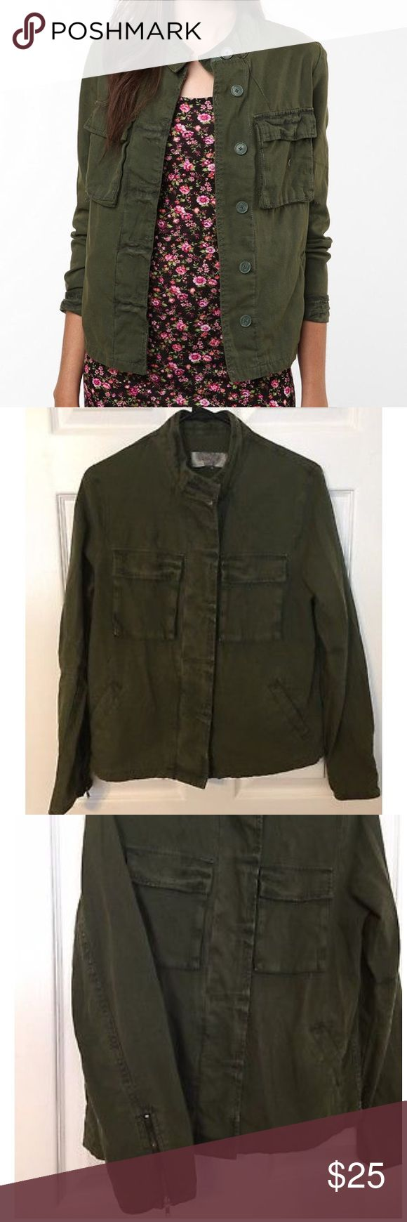 UO Ecote Green Military Jacket Small Urban Outfitters Ecote Army Green Military Jacket Small. 🤘🏼 30% off 2 or more in closet Ecote Jackets & Coats Utility Jackets