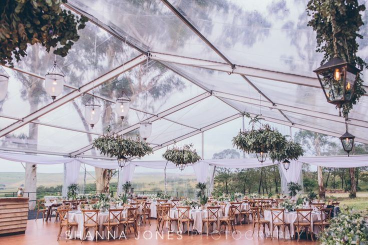 Shanna Jones is a professional Cape Town based wedding photographer who photographs weddings in South Africa, London, Europe and further afield.