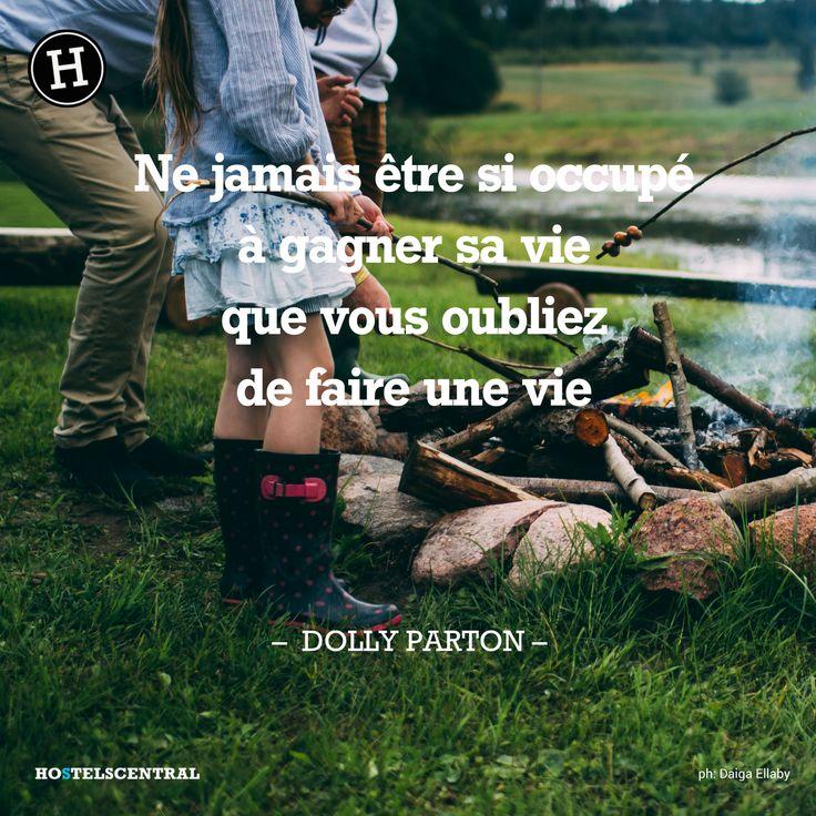 DOLLY PARTON photo by Daiga Ellaby