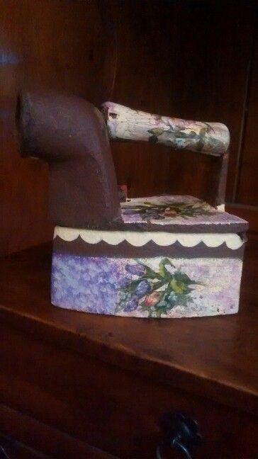 Plancha de hierro craquelada y con servilleta