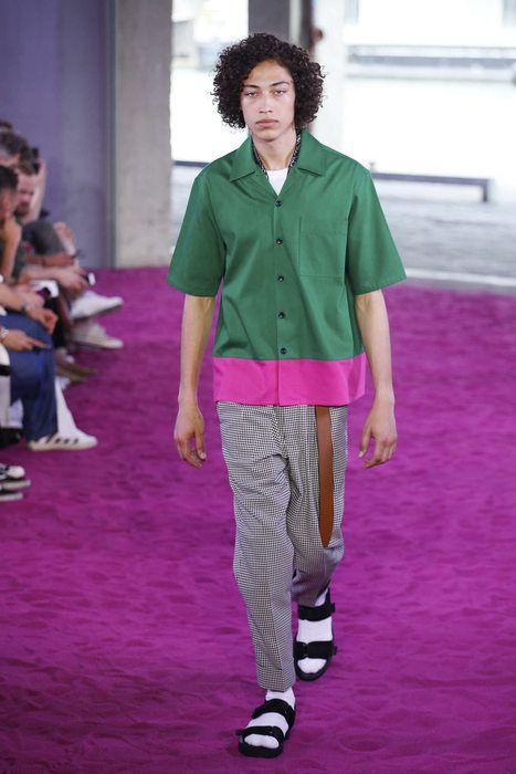 Fashion Week homme : la claquette-chaussette fait recette - Actualité : Défilés (#842234)