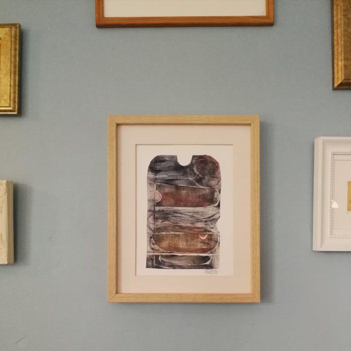 Gravure en taille-douce sur papier de Joëlle Toubon. Oeuvre unique.  Les gravures de Joëlle Toubon sont comme des promenades sur des terrains escarpés, des paysages...