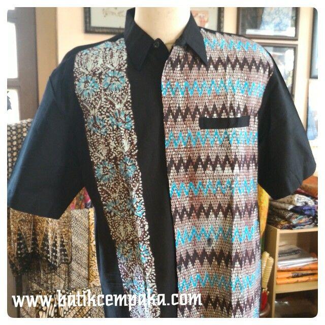Batik cap kemeja pendek,warna hitam Motif : Tirtotejo Ukuran : M,L,XL Harga : Rp 130.000