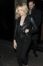 Chloe Moretz was pictured while she leaving the Chiltern Firehouse http://celebs-life.com/chloe-moretz-pictured-leaving-chiltern-firehouse/  #chloegracemoretz #chloemoretz