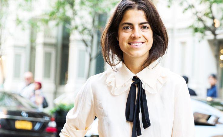 Nicht mehr in der Warteschleife! Über-Bloggerin Leandra Medine trägt ihre Schluppenbluse zur Jeansshort