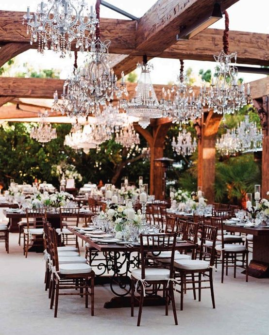 love the rustic and glamorous mix!