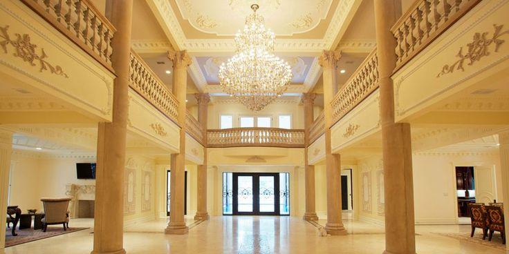 À vendre: Le «Versailles du New Jersey» | CHEZ SOI Photo: ©Sotheby's International Realty #deco #chateau #newjersey #luxe #maisondestars #immobilier #versailles