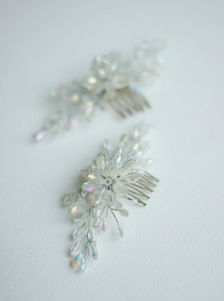 Crystalic flower clips