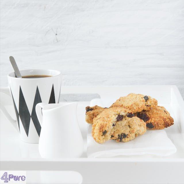 Knapperige havermout rozijnen koekjes. Zeker een lekker recept, waar je geen suiker aan toevoegt. Je krijgt hele knapperige koekjes die lekker van smaak zijn. Toen ik laatst door de nieuwe Allerhan…