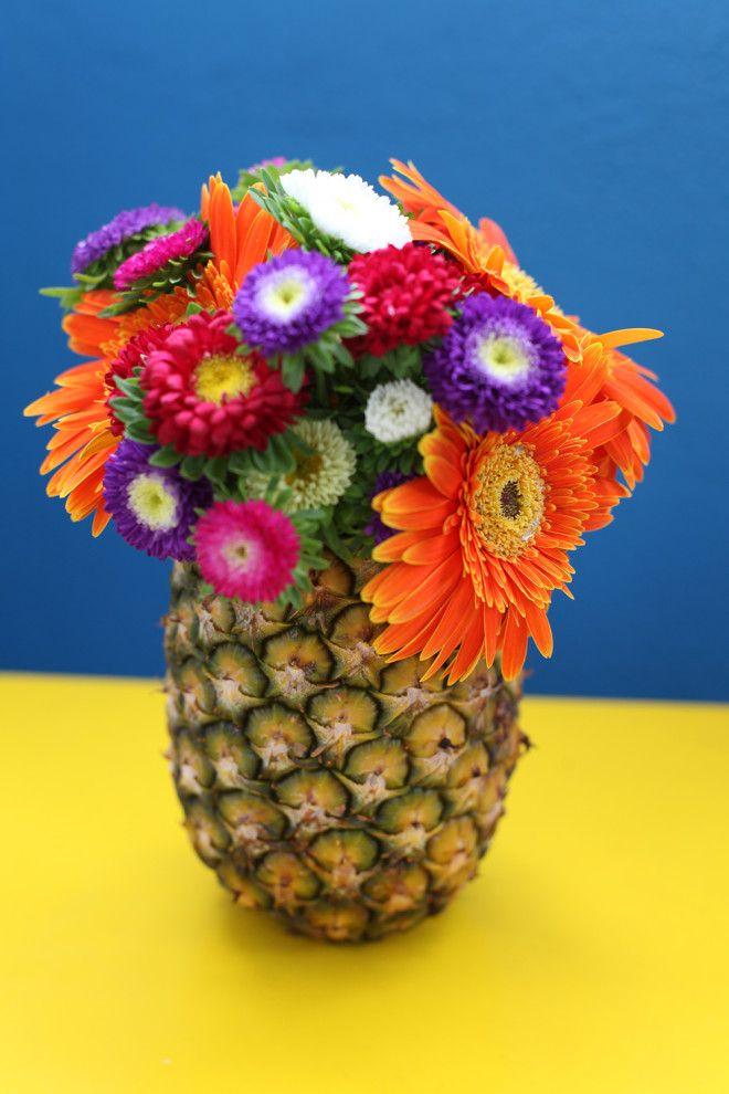 Aprenda a fazer um vaso tropical com um abacaxi