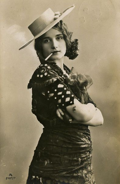 Soyouthinkyoucansee  Mucho Gaucho You're my kind of -Woman 1906- (Beauty of the day)