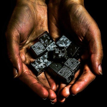 Handfull of carbon fiber dice ☀ #carbonfiber #carbonfiberlifestyle #carbon #dice #dirty #dark #black #hand #lifestyle #luxury