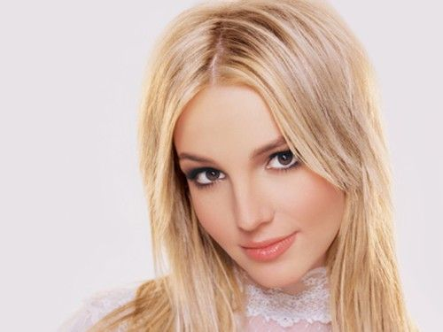 Britney Spears is a famous Hollywood Singer. Her name among Hollywood celebrities need no introduction. http://moviesback.com/britney-spears/