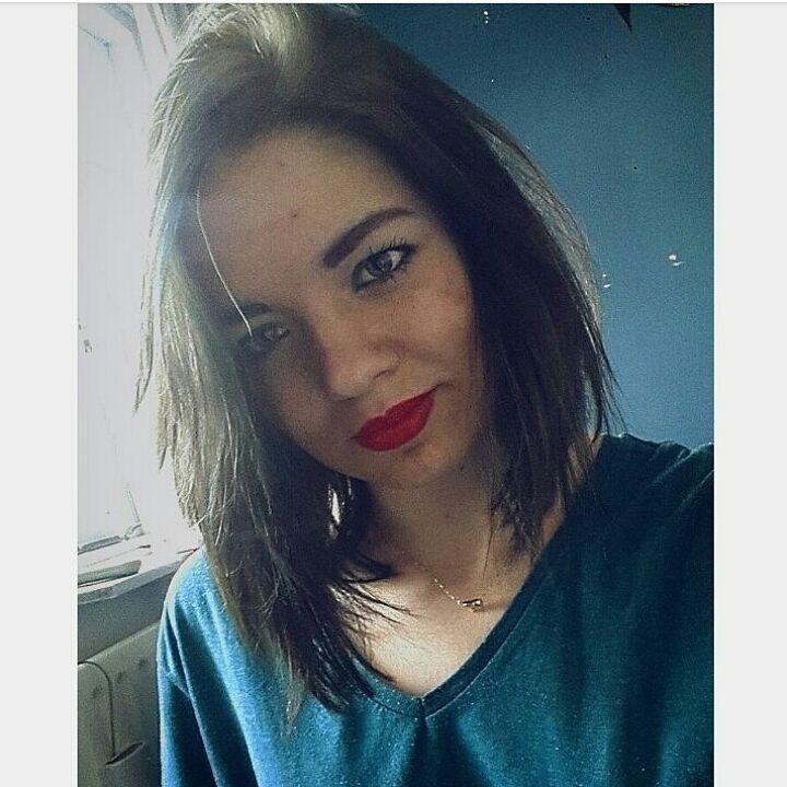 #dutch #model #dutchie #modeling #brownhair #makeup #black #eyes #eyebrows #lips #lipstick #redlips #love #peace #summer #fun #girl #alternative #alternativemodel #goth #weird #experiment #holland #netherlands #selfie #neckless #elephant #gold #beautiful #lovely http://ameritrustshield.com/ipost/1553566525662099009/?code=BWPYIYhBvZB