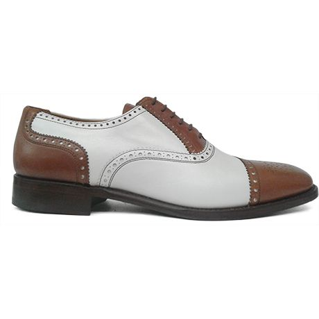 Zapato spectator oxford puntera picada combinado en color cuero y blanco de Cordwainer vista lateral