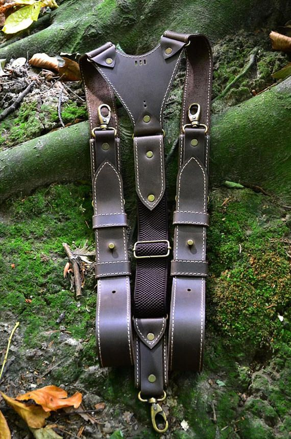 In comments: Write your height and Measurements front belt loop over shoulder to back belt loop (as shown in the picture)!!! !!! If you want to Free engrave initials (eg K.M. or M.N.S. or K.M. est.2017 ) on the back , write in the comments. Natural, leather suspenders. This brown