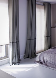 Zonnefilter - Sfeer en isolatie gecombineerd! De textiele look van de Luxaflex® Duette® Shades geven je huis een intieme sfeer.