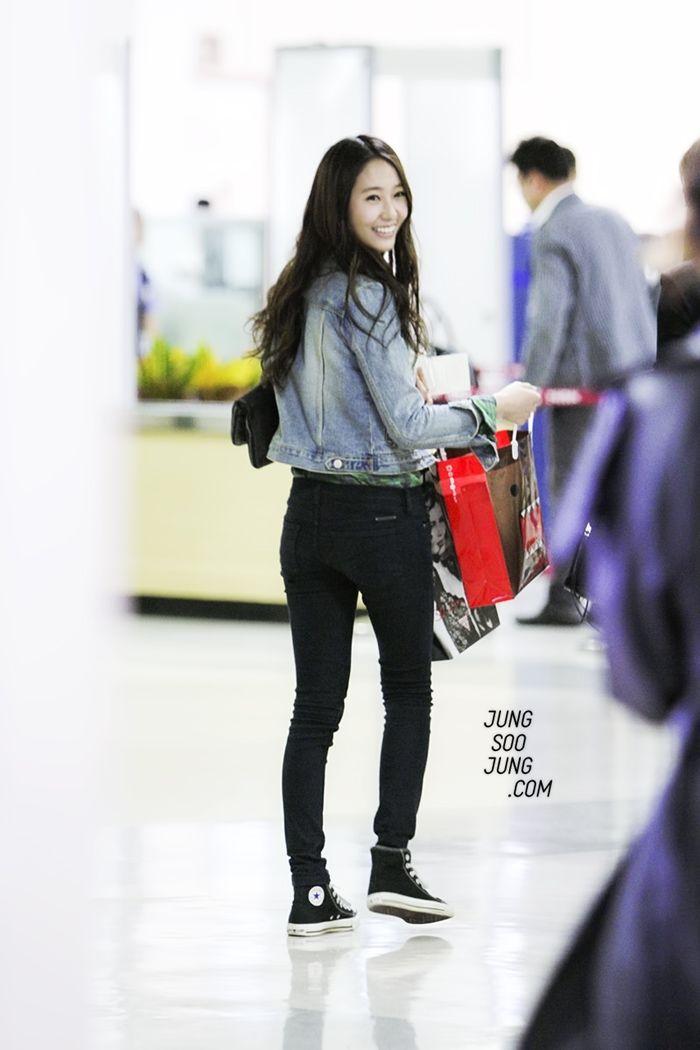 Fx Krystal Airport Fashion Black Pants Things To Wear Pinterest Airport Fashion Black