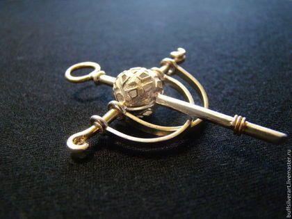"""кулон в форме креста """"Земной шар"""" из серебра с золотыми элементами -"""