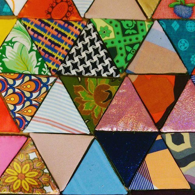 Polygonic thoughts for my scrap stash  . . . #textileart #colorgasm #colorful #sewing #contemporaryart #new #art #eatenkate #cosmic #studiolife #contemporarycraft #stitching #sweden #crafts #womeninart #konsthantverk #polygon  #swedish #fiberart #fiberartsweden #needlecraft #konst #kunst #taide #dutchartist #dutchart #sculpture #experiment