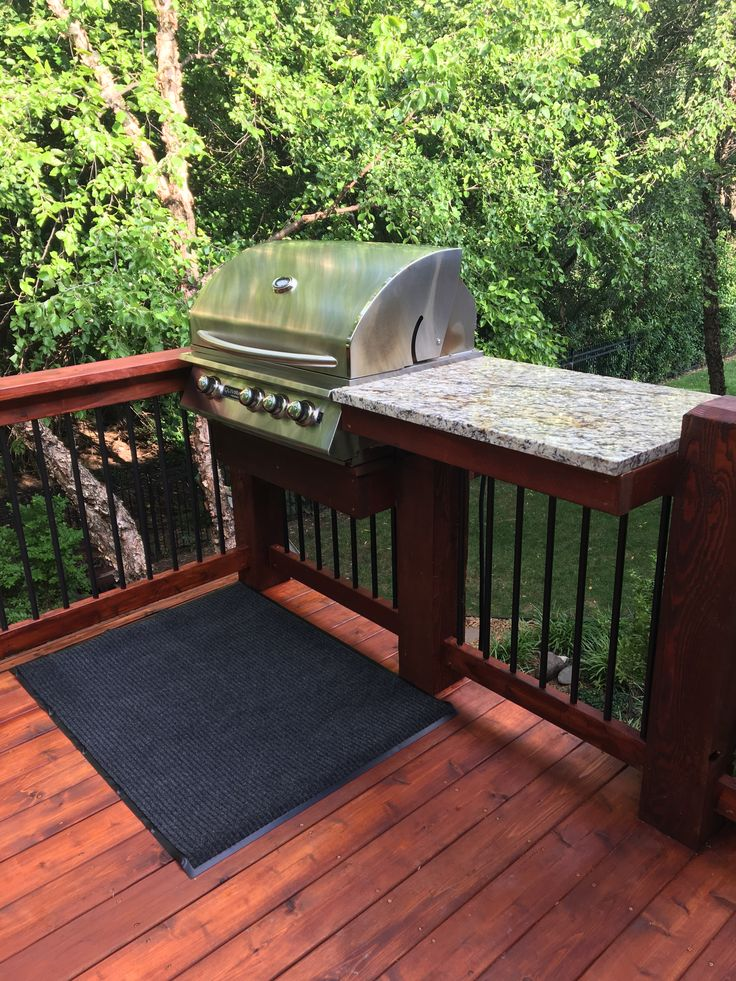 Deck Rail With Built In Grill And Granite Prep Table